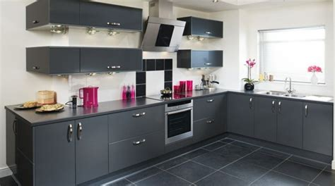 peinture grise pour cuisine cuisine gris anthracite 56 idées pour une cuisine chic