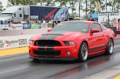 Gt500 Vs Gt350 by Ford Mustang Shelby Gt350 Vs Gt500 Rod Network