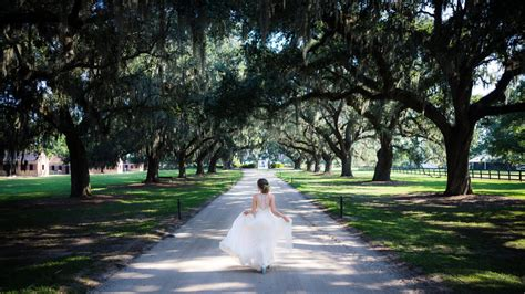 Discover this charleston, sc historic bed and breakfast inn that offers the perfect venue for weddings, romantic getaways, and business gatherings.special rates & charleston vacation packages available. 15 Epic Wedding Venues in Charleston, SC | Charleston.com