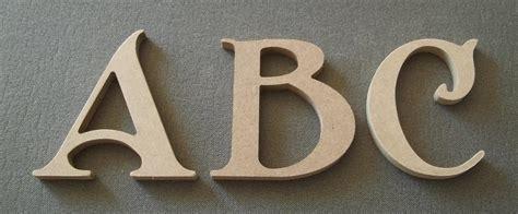 lettre decorative cuisine decoration lettre en bois idées de décoration et de