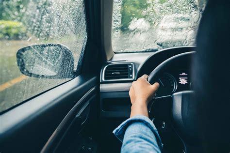 driving   rain  expert tips   safest ride