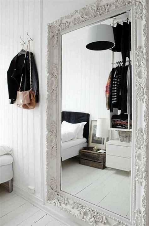 miroir chambre a coucher grand miroir la classique perdue qui fait vivre l 39 espace