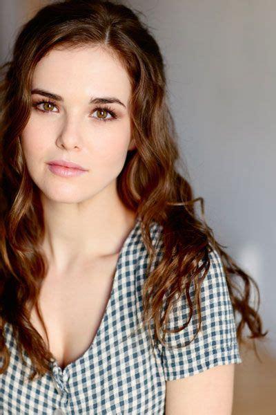 30 Hot Female Actresses Under 30 In 2015 Herinterestcom