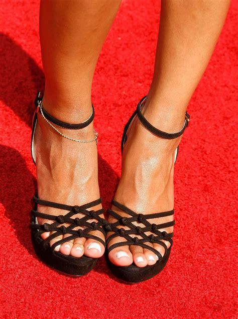 Juliette Lewis Toes  6k Pics