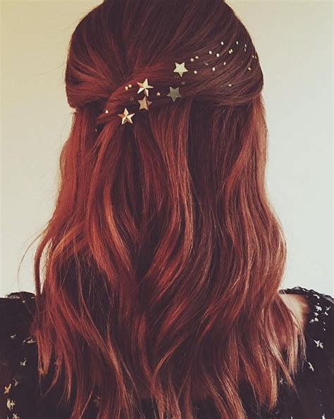 pretty holiday hairstyles    year hairstyles
