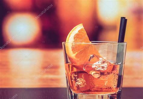 Bicchieri Per Spritz by Bicchiere Di Spritz Aperol Con Fette D