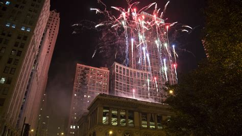 millennium park christmas lights photos from the 2015 chicago christmas tree lighting ceremony
