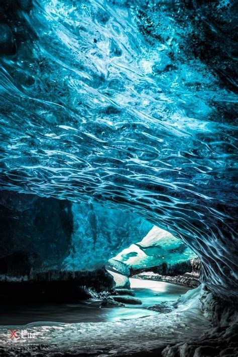 Photographing the Jaw-Dropping 'Crystal Caves' of Iceland ...