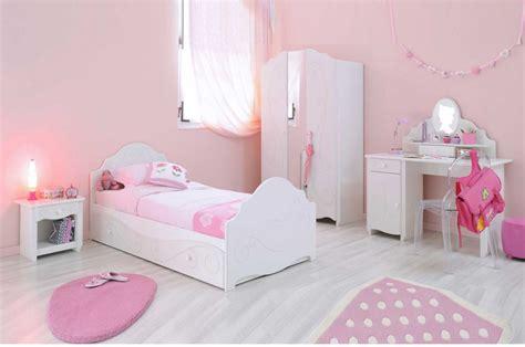 chambre des magnifique chambre de fillette trendymobilier com