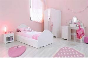 Bureau Chambre Fille : magnifique chambre de fillette ~ Teatrodelosmanantiales.com Idées de Décoration
