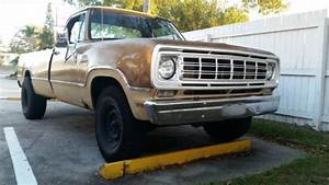 1976 Dodge D200 Custom 3  4 Ton Truck
