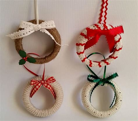 mason jar lid wreath ornaments allfreeholidaycrafts com