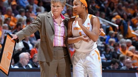 jamie nared leads   tennessee  defeat    south
