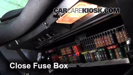 2002 Bmw 325ci Fuse Box Location by Interior Fuse Box Location 1999 2006 Bmw 325i 2001 Bmw