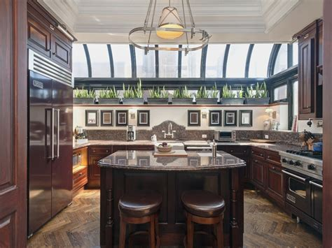 what are popular kitchen colors 64 best chic city kitchens images on bethenny 8932