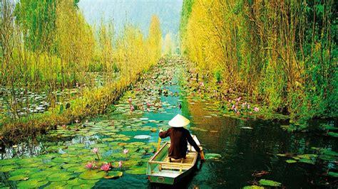 Star Wars Ships Wallpaper Hd Wallpaper Ha Noi Vietnam Yen Stream On The Way To Huong Pagoda In Autumn Hanoi Vietnam