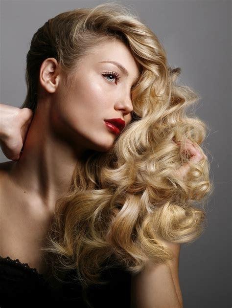 Loose Curls Hairstyles.