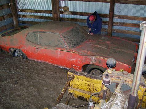 Cars Found In Barn by 1969 Pontiac Gto Judge Found In Barn High Performance