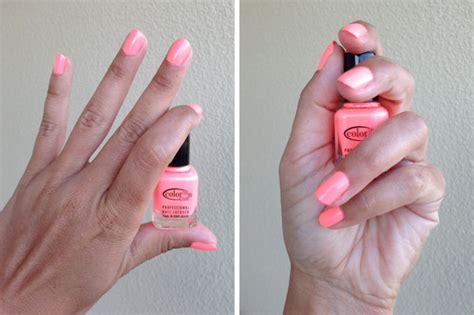 Sublimez vos ongles avec les vernis à ongles disponibles dans votre pharmacie en ligne pharmashopi