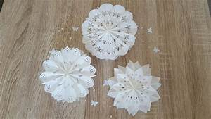 Basteln Mit Tortenspitze : ohne t ten sterne und blumen aus butterbrotpapier basteln diy christmas stars and flowers youtube ~ Frokenaadalensverden.com Haus und Dekorationen