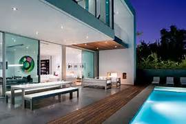 Modern Houses With Pool Simple Modern House With Amazingly Comfy Interior DigsDigs
