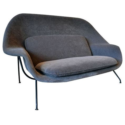 womb settee and early quot womb quot settee by eero saarinen at 1stdibs