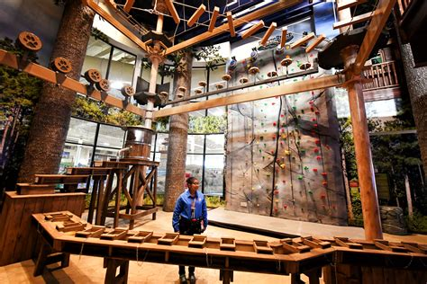 Great Wolf Lodge Opens In Bloomington At Former Water Park