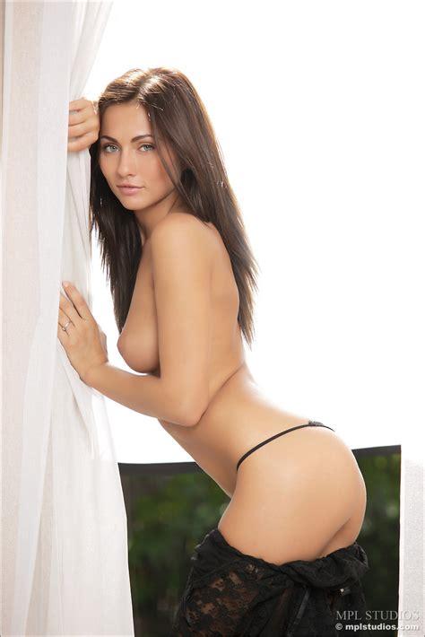 Beautiful Models Nude Pics