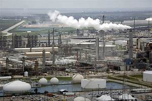 As Harvey Wreaks Havoc, European Refiners Set to Benefit - WSJ