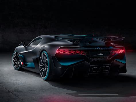 The divo is bugatti's first coachbuilt hyper sports car of the 21st century. Tablet Android/iPad : 1024x768 1280x1280 2048x2048 960x640