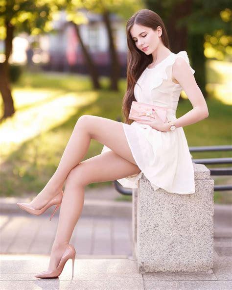 ariadna majewska sexy legs pinup blog celebrity
