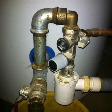 groupe de sécurité groupe de s 233 curit 233 chauffe eau qui fuit probl 232 me d 233 montage