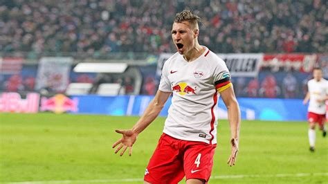 "Rb leipzig boss julian nagelsmann left frustrated by champions league defeat. RB Leipzig im ""Sechs-Punkte-Spiel"" gegen Leverkusen mit ..."