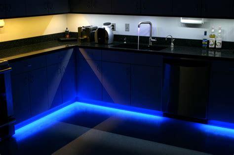 led kitchen  cabinet  toe kick lighting