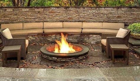 Offene Feuerstelle Im Garten