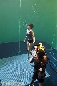 How were the floating astronauts in zero gravity filmed in ...