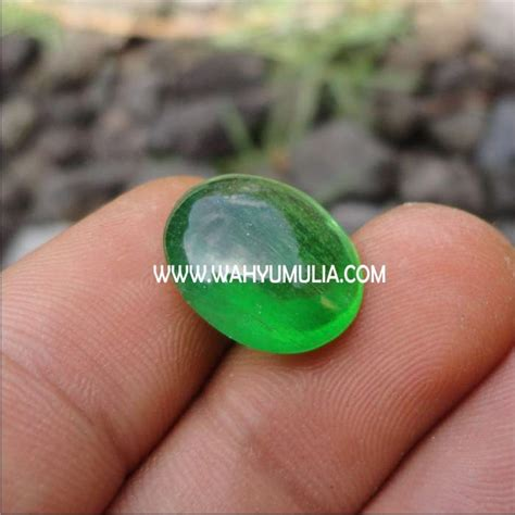 batu zamrud kalimantan green obsidian 2 wahyu mulia