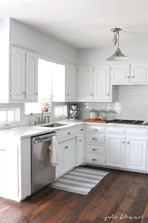 25+ Best Ideas About Small White Kitchens On Pinterest