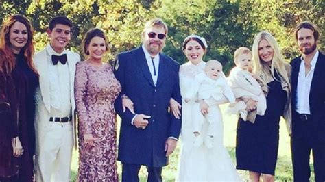If you like songs for dad, you might love these ideas. Hank Jr's Daughter, Holly, Remembers Late Sister On Her 28th Birthday - Country Music Family