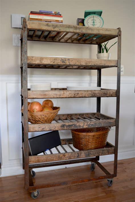 etagere cuisine metal étagère industrielle à antique bois et métal