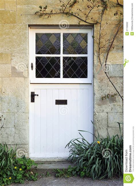 cottage front doors cottage front door stock photography image 21156692