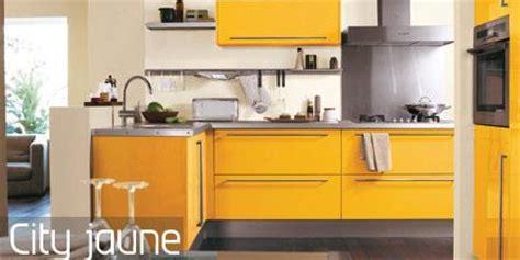 meuble cuisine jaune modèle meuble de cuisine jaune et blanc