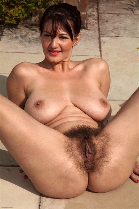 Real Natural Nude Mature Women Hd Images