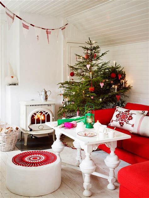 55 Dreamy Christmas Living Room Décor Ideas   DigsDigs