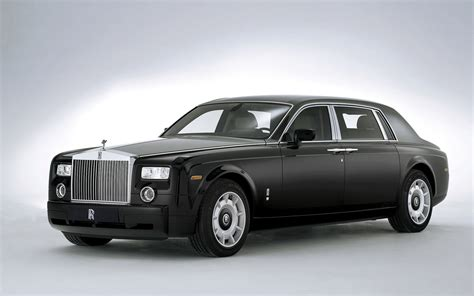rolls royce extended wheelbase front three quarter photo 28