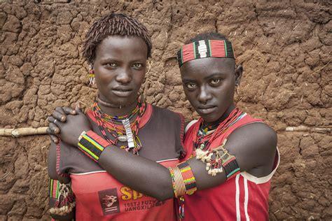 Girl Tribe 17 Striking Portraits Of Ethiopia S Omo Valley Tribes