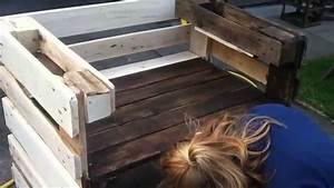 Eckbank Aus Paletten : sitzbank aus paletten gebaut f r balkon oder terrasse youtube ~ Markanthonyermac.com Haus und Dekorationen