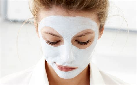 face mask in flight masking travel leisure