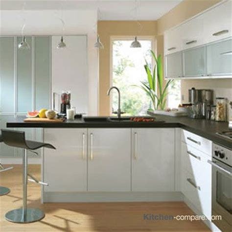 high gloss kitchen designs 9 best images about contemporary white gloss kitchens on 4217