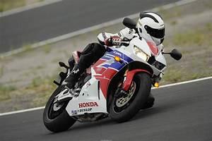 Honda 2017 Motos : honda euro 4 les motos qui disparaissent en 2017 ~ Melissatoandfro.com Idées de Décoration